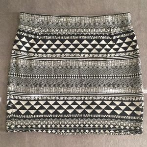 Tribal Print Knit Mini Skirt